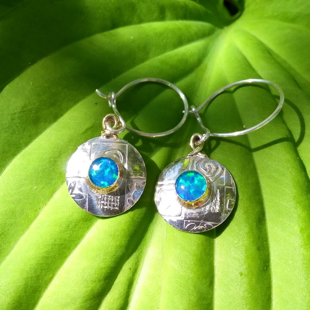 Round medium silver earrings